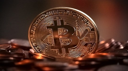 دار الإفتاء المصري.. أول فتوى رسمية في تحريم البيتكوين Bitcoin