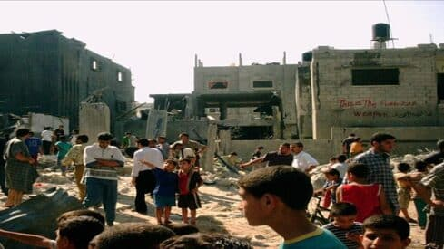 بالدم تكتب غزة تاريخها