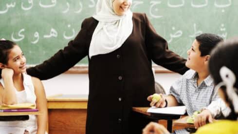استراتيجيات نشر اللغة العربية في العصر الحديث
