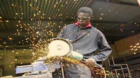 هدف التنمية الصناعية والآثار المصاحبة