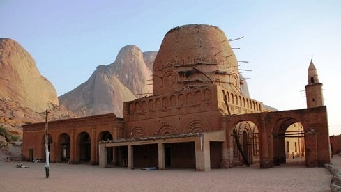 """""""سنار """" عاصمة السلطنة الزرقاء وهج ثقافي ينبعث من جديد"""