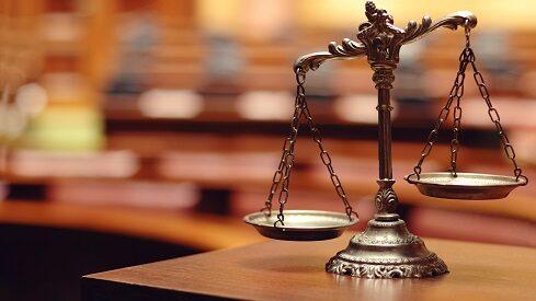كيف وصمت الشريعة الإسلامية بعدم الصلاحية؟