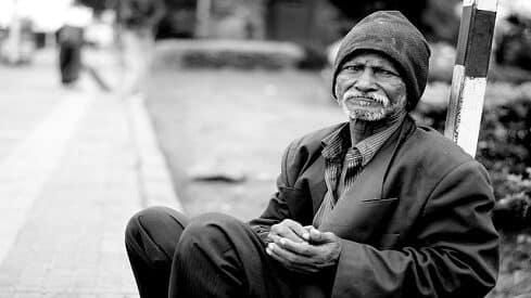 الافتئات على الفقير في تحديد احتياجاته !