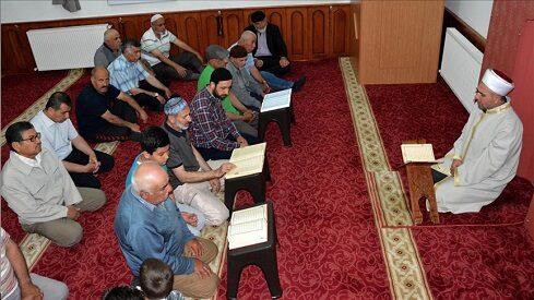 قراءة القرآن في رمضان في الجزائر