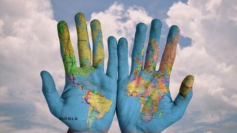 هل يمكننا البقاء على قيد الحياة بدون العولمة؟