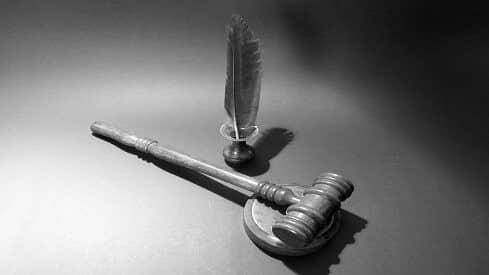 تقنين العقوبة بين الشريعة والقانون