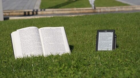 صمود الكلمة المطبوعة في العالم الرقمي