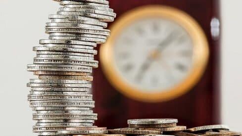 إشكالية التعرف على إيرادات القروض