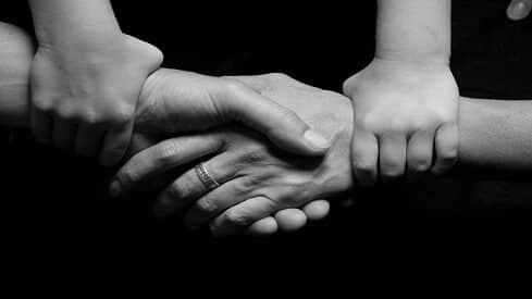 نقد الخطاب الديني الموجّه للأسرة