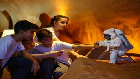 """""""جيل المريخ"""" الذي يحلم بمغادرة الأرض, أليسا كارسون, علم الفلك, كوكب المريخ, معسكر جيل المريخ, ولاية إزمير,"""