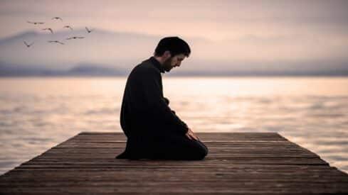 الله والإنسان.. ماذا يحدث عند تغييب الفواصل؟,