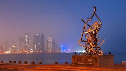 قطر تشرّع حماية العربية وتغرّم المخالفين