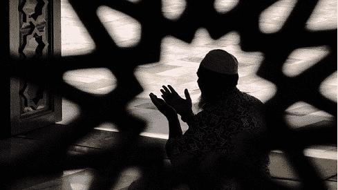 مفهوم العبادة في الإسلام, حقيقة العبادة وعلاقتها الإيمان, مفهوم العبادة في الاسلام وخصائصها, مقاصد العبادة,