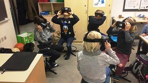تعليم مختلف باستخدم تقنية الواقع الافتراضي  (VR)