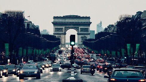 كيف تزور باريس من خلال القراءة؟!