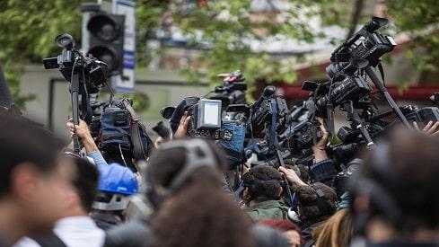 باحث أكاديمي: الصحفيون سلبيون جدا, إعلام, صحافة, نشرة أخبار,