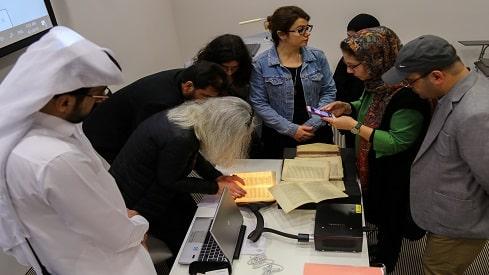 وسائل حديثة للحفاظ على أوراق المخطوطات الإسلامية, آن ريجور, المخطوطات الإسلامية, مكتبة قطر الوطنية,