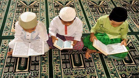 مساجد من غير مراهقين