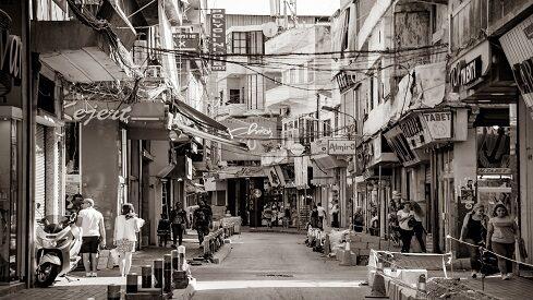 بيروت.. بين الرصاصات والجداريات