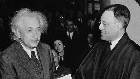 رسالة أينشتاين إلى فرويد حول سيكولوجية الحرب