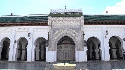 التعليم الإسلامي في عصور ما قبل الحداثة: القرويين نموذجًا,