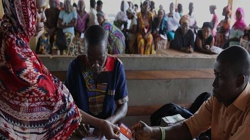 مليار شخص لا يحملون أوراقا ثبوتية, الأوراق الثبوتية, البنك الدولي, الفقر, الفقر في العالم,