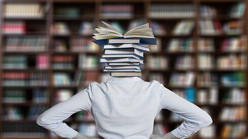 عن تكوين المكتبة.. وإعادة تكوينها