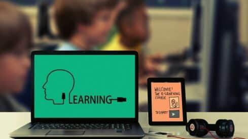 التعليم الإلكتروني واستمرارية إيصال المعرفة وقت الأزمات