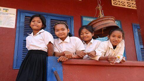 كيف نُحسن الأداء المدرسي للطفل في بيئة فقيرة ؟