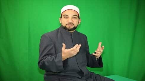 """عماد المهدي: """"التفسير الموضوعي"""" يكشف إعجاز النص القرآني في نظمه واتساقه"""