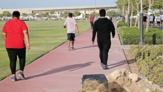 اليوم الرياضي .. بين فعالية التمارين الجماعية والفردية